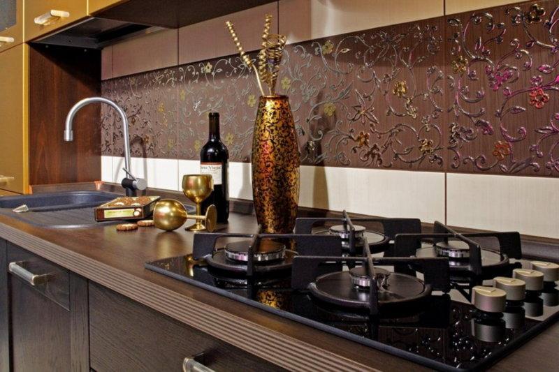 Дизайн фартуков для кухни из керамической плитки