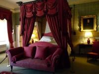 Бордовая спальня — 55 фото лучших идей оформления спальни бордового цвета