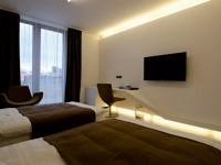 Телевизор в спальне — 100 фото примеров оформления