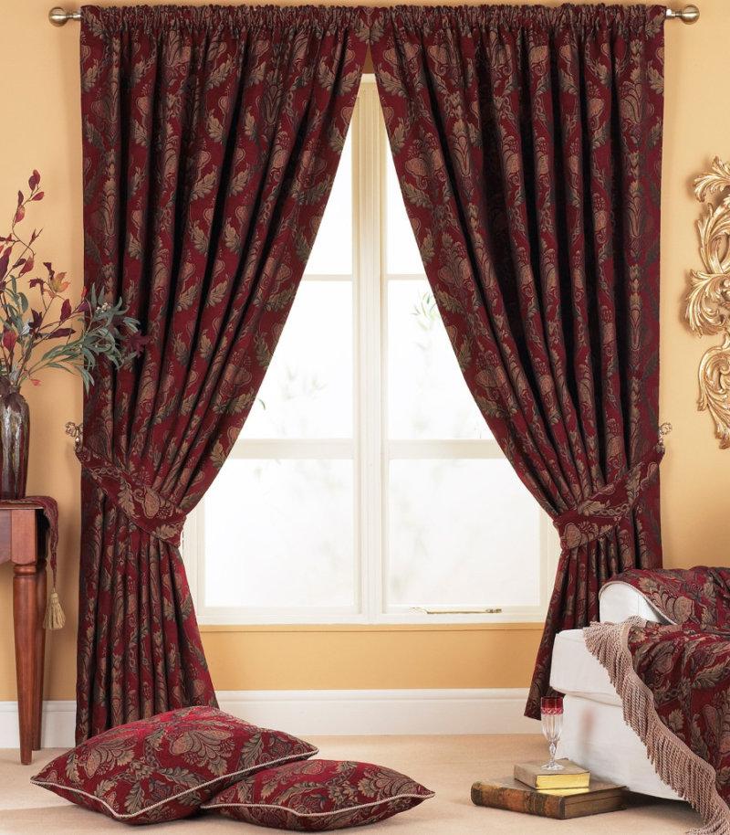 Красивые шторы бордового цвета