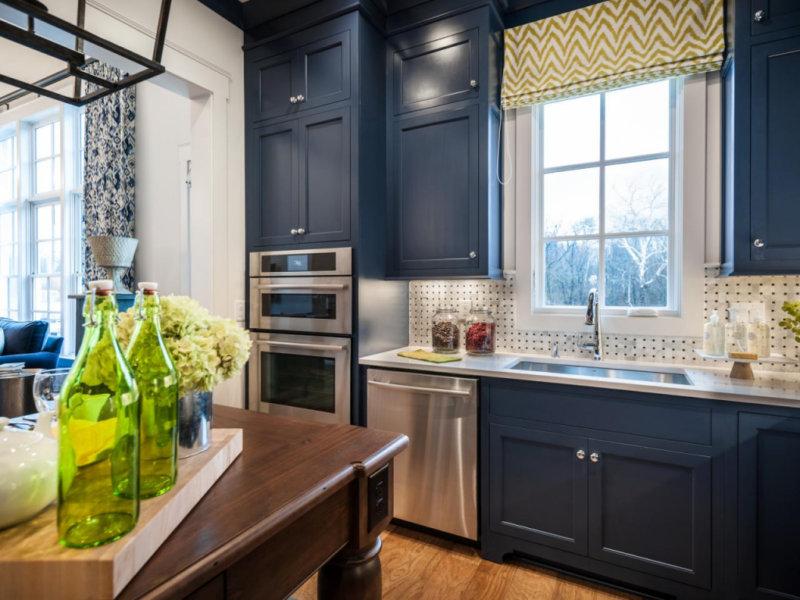 одном них дизайн кухни в синем цвете фото сборки светильника